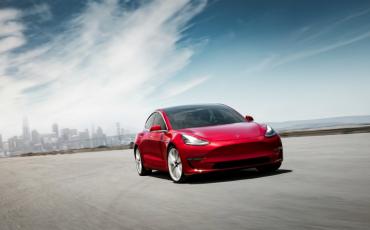 Tesla Model 3 AWD Autopilot