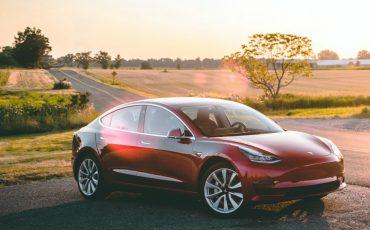 Tesla Model 3 SR+ Autopilot